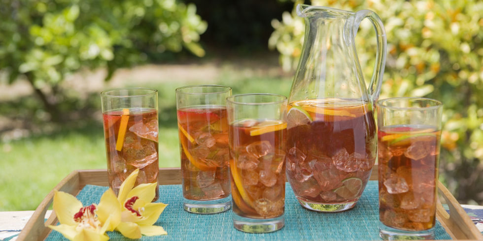 http://www.womansday.com/health-fitness/nutrition/news/a50181/arkansas-man-goes-into-kidney-failure-for-drinking-iced-tea/