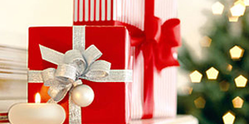 Gift giving etiquette holiday etiquette for gifts negle Images