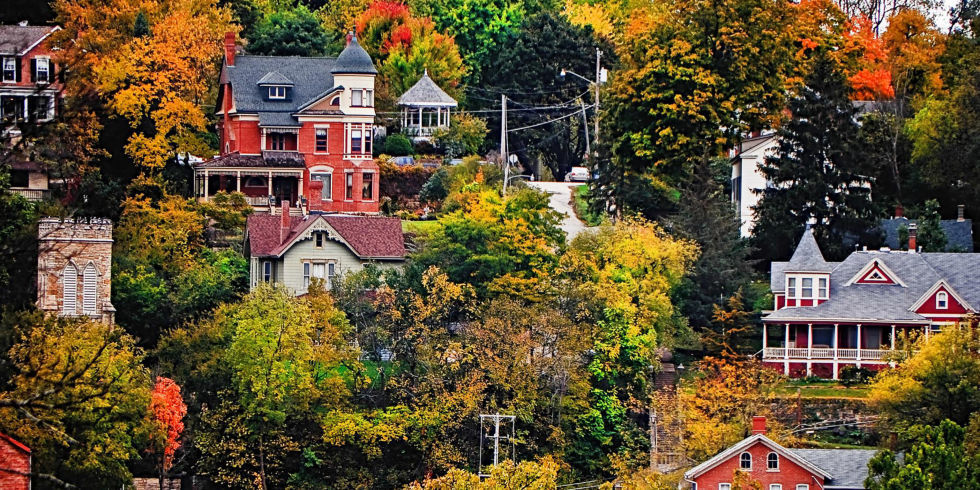The 50 most beautiful small towns in america for Beautiful places to visit in new york state