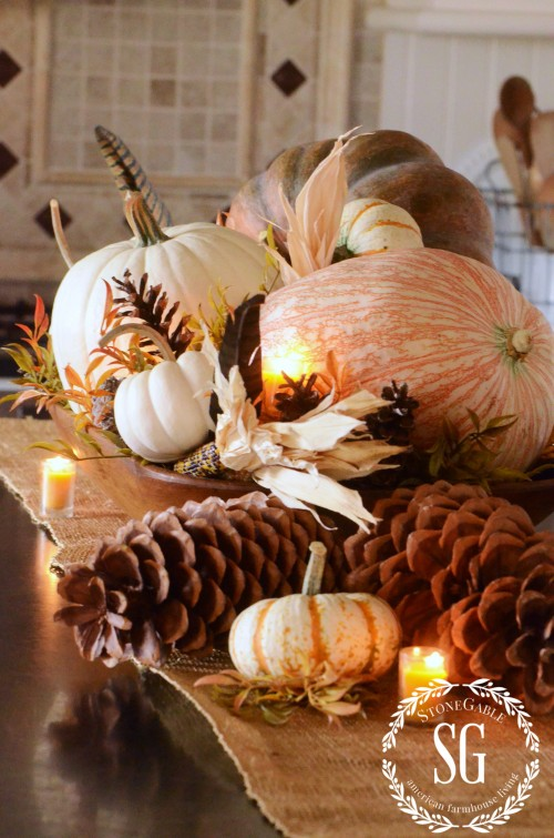 16 fall and thanksgiving centerpieces diy ideas for fall table decorations for Harvest decorations for the home