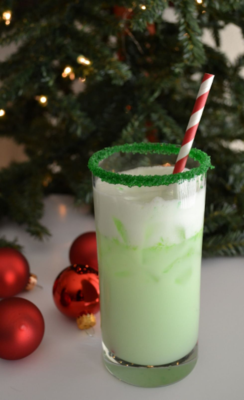 34 Best Christmas Cocktail Recipes - Easy Alcoholic Holiday Drinks