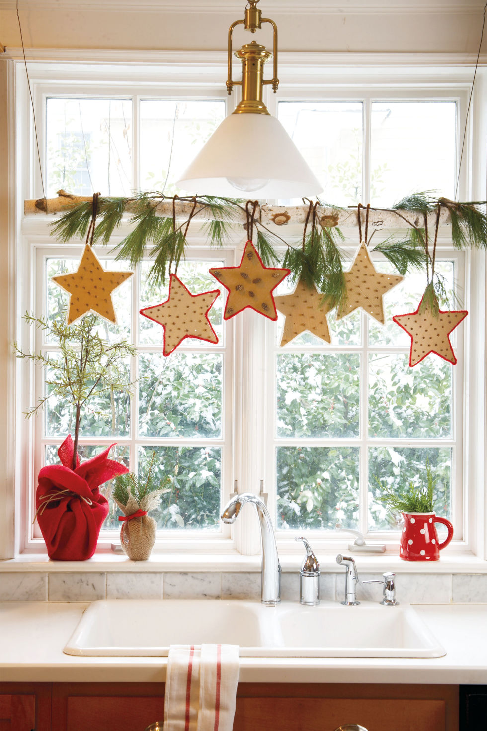 Indoor window christmas decorations - 43 Easy Diy Christmas Decorations Homemade Ideas For Holiday Decorating