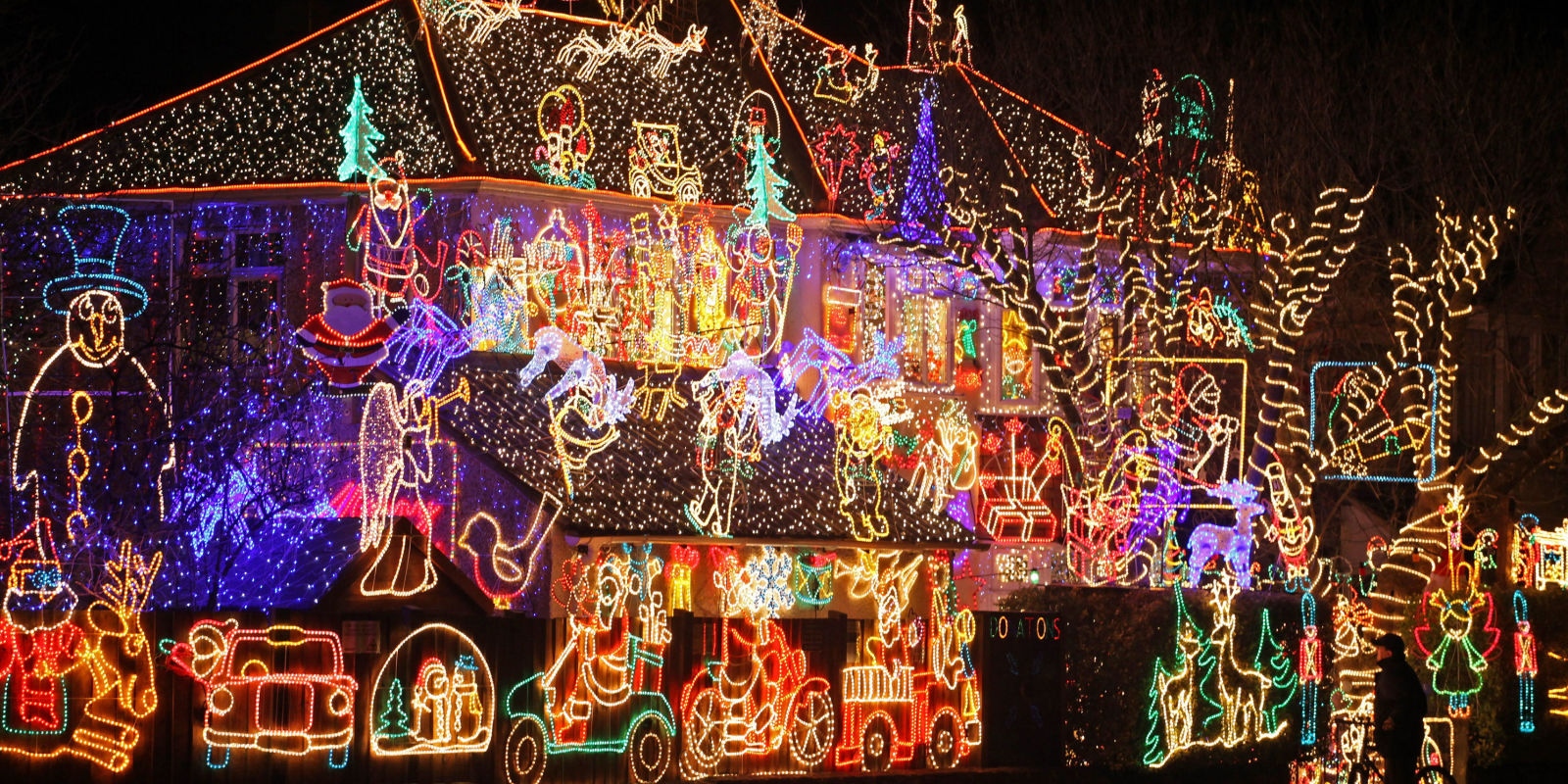 Crazy outdoor christmas lights at photos Holiday decorated homes