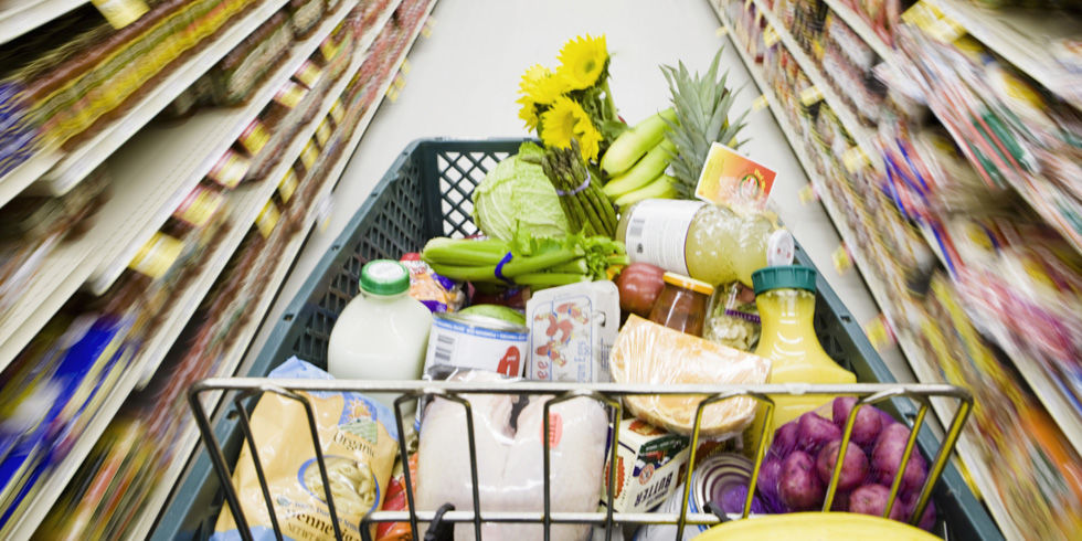 What are some good grocery stores where things are cheaps and what are some expensive grocery stores?