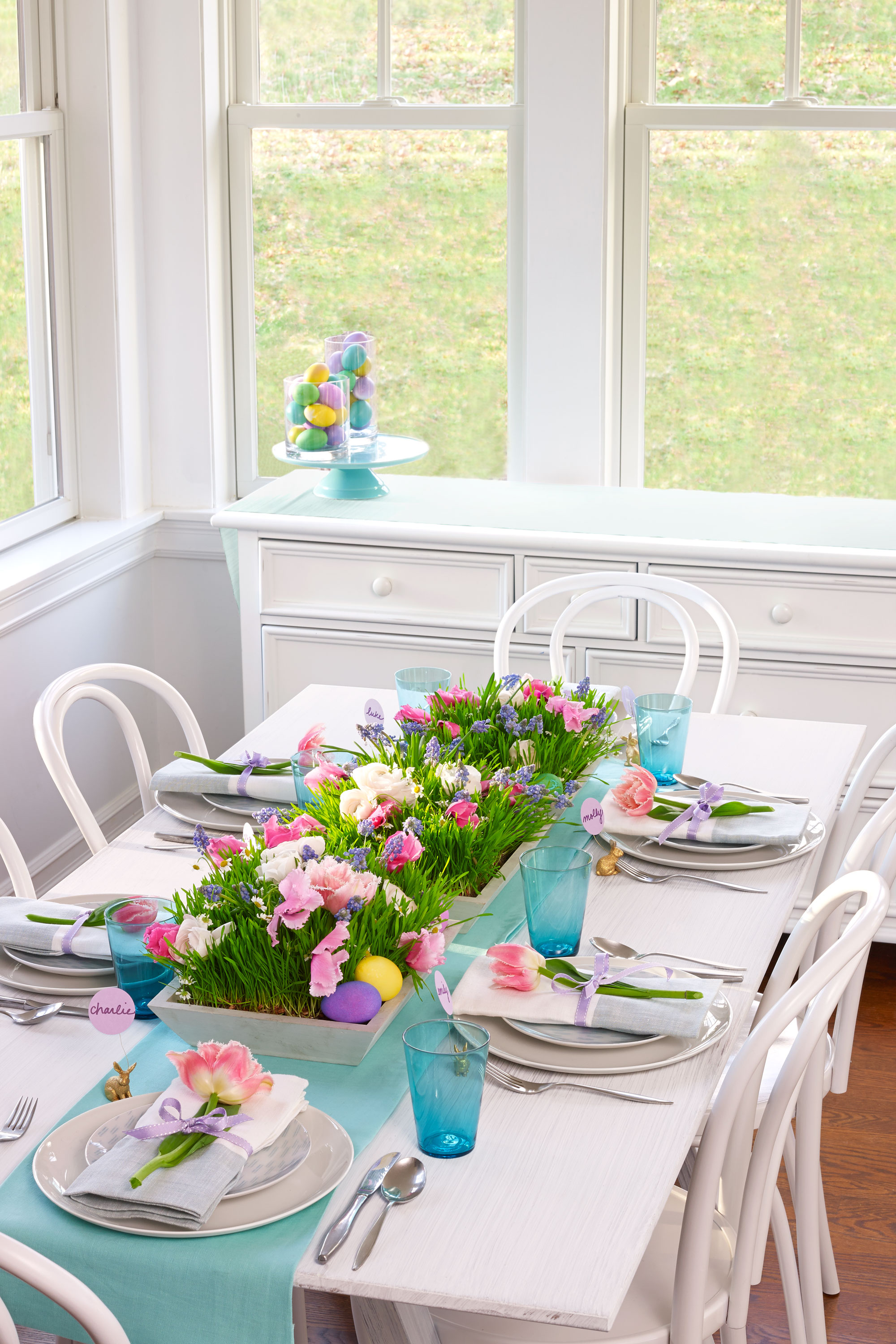 27 easter table decorations table decor ideas for easter for Breakfast table decor ideas