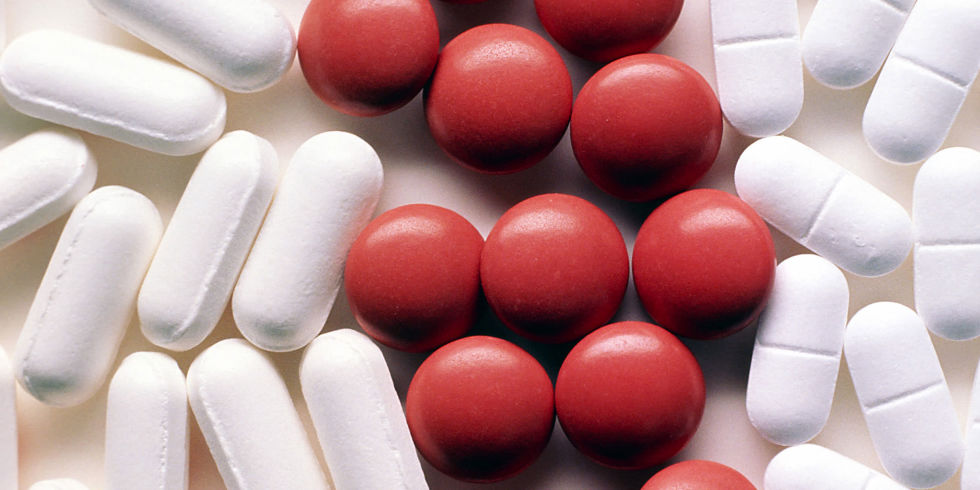 How does aspirin cut colon cancer death risks?