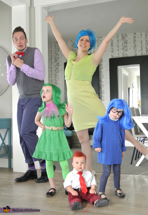 40 best family halloween costumes cute ideas for themed costumes for families