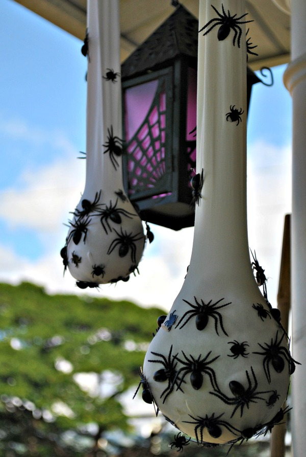 50 easy halloween decorations spooky home decor ideas for halloween - Easy Halloween Decorating Ideas