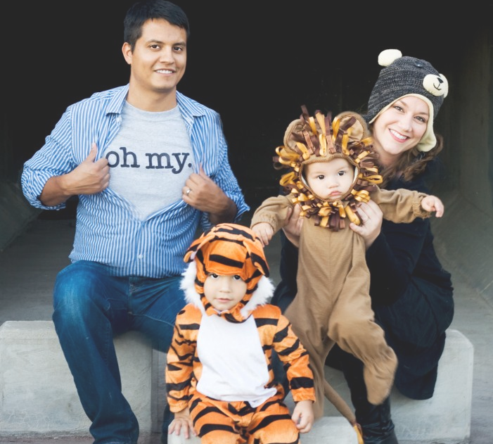 40 best family halloween costumes 2017 cute ideas for themed costumes for families - Family Halloween Costumes For 4