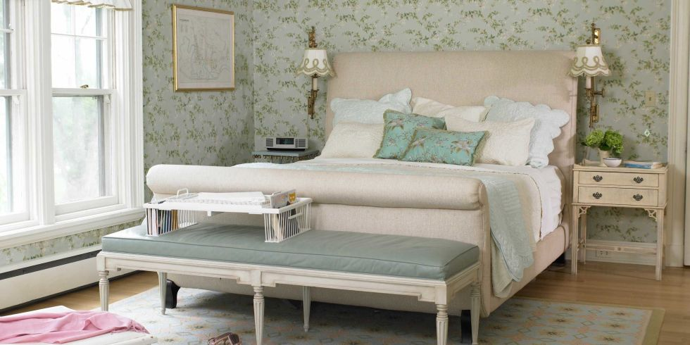 Romantic Bedroom Decorating Ideas   Ways to Make Your Bedroom More Romantic. Romantic Bedroom Decorating Ideas   Ways to Make Your Bedroom More