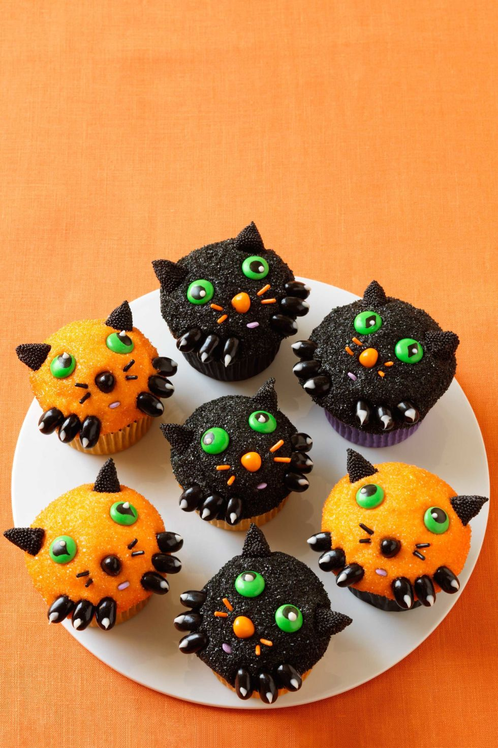 35 halloween cupcake ideas recipes for cute and scary halloween desserts - Scary Halloween Cupcake Ideas