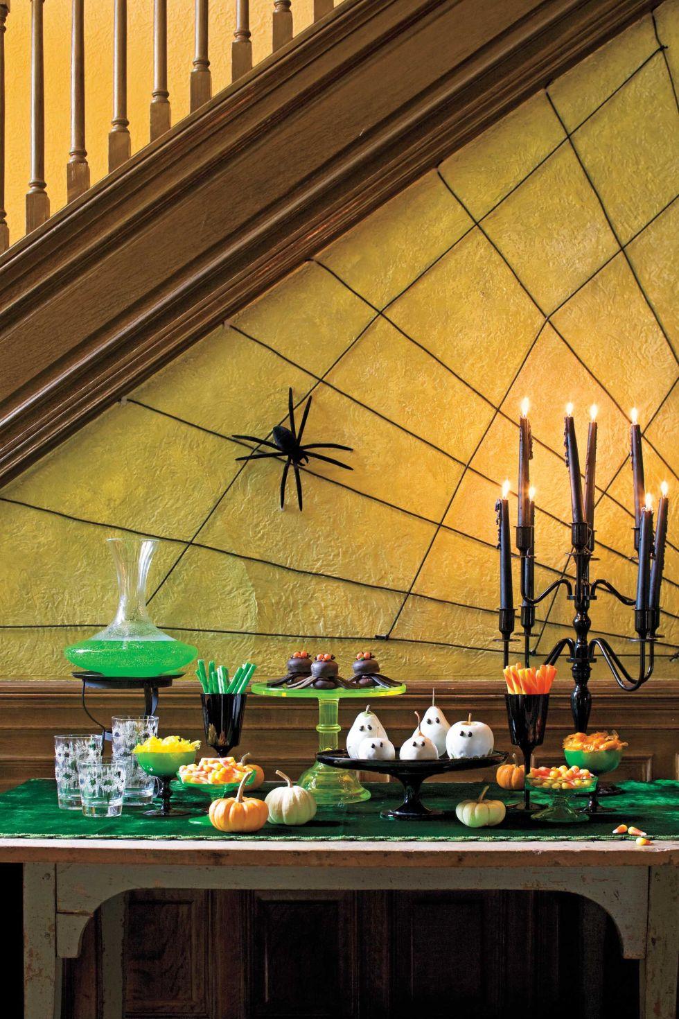 40 easy diy halloween decoration ideas homemade halloween decor projects