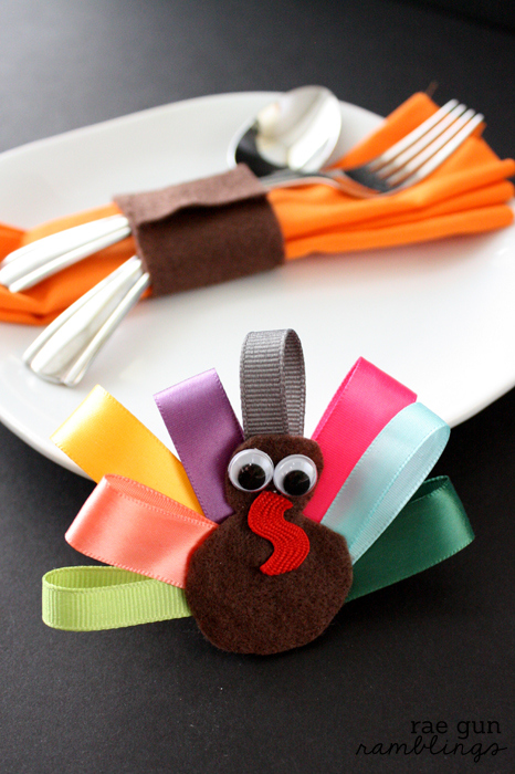 23 fun thanksgiving crafts for kids easy diy ideas to for Diy thanksgiving crafts