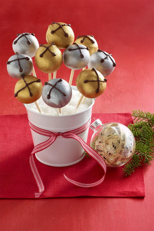 Jingle Bells Peanut Butter Pops Recipe