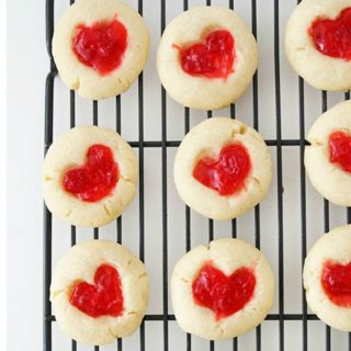 these pretty treats are the way to your valentines heart - Valentine Dishes