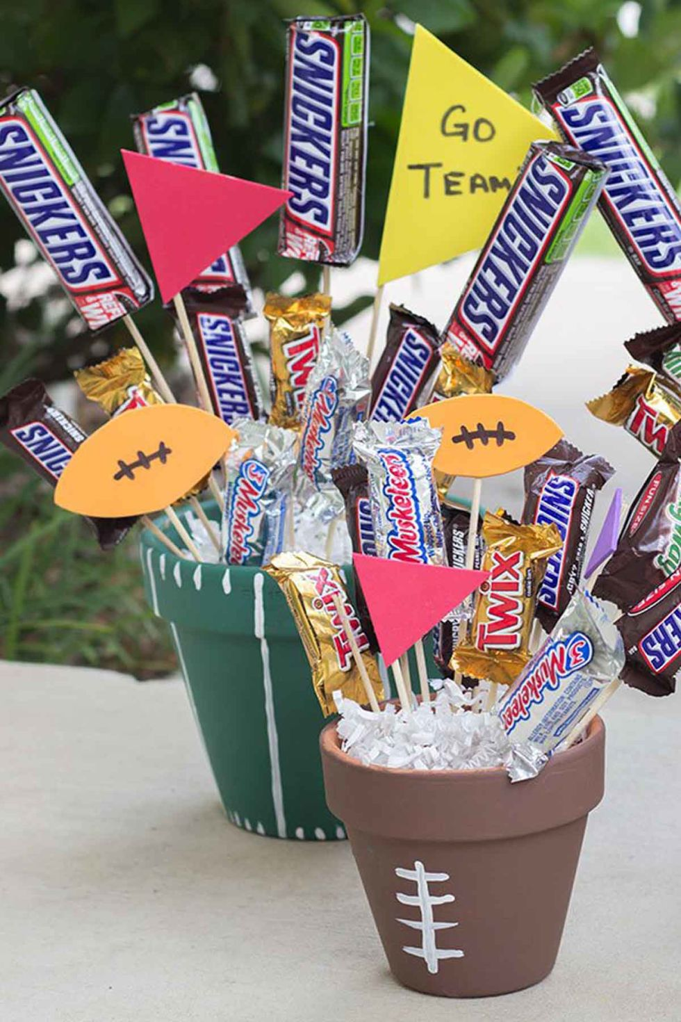 10 DIY Football Decorations for a Super Bowl Party - Decorating ...