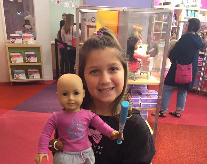 girl donates bald american girl dolls little girl helps kids with cancer. Black Bedroom Furniture Sets. Home Design Ideas