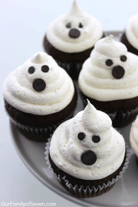 marshmallow ghost cupcakes - How To Decorate Halloween Cupcakes