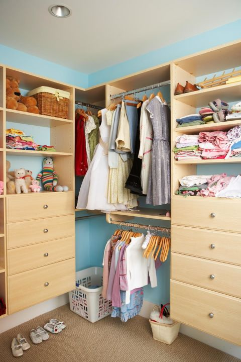 15 super easy home organization tips how to stop clutter for Closet medianos