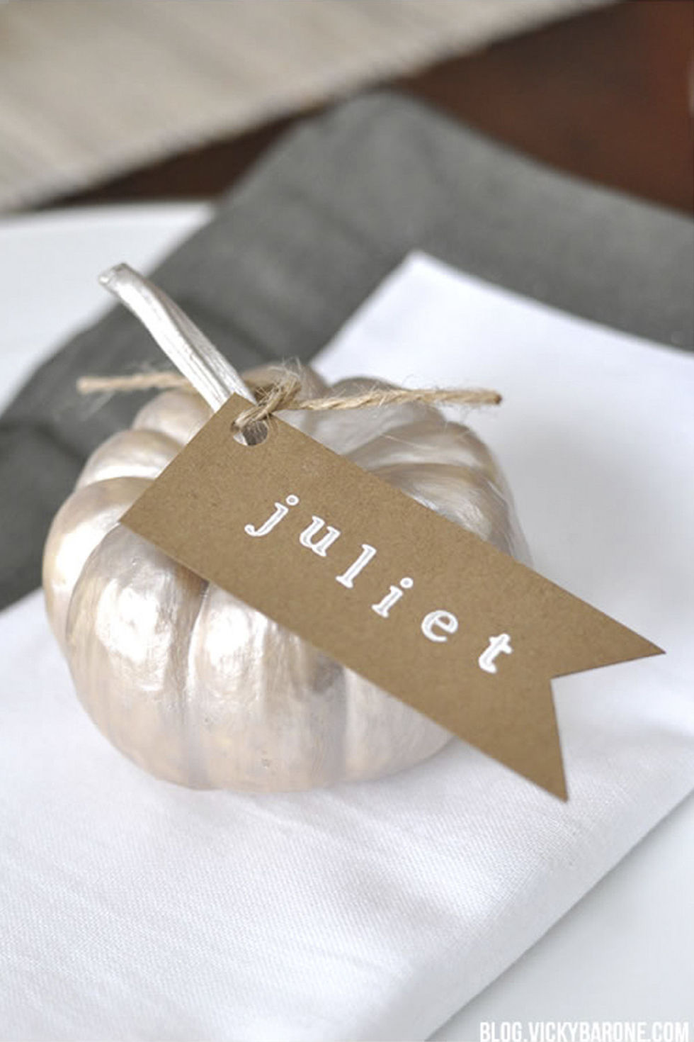 10 DIY Thanksgiving Place Cards - Craft Ideas for Fall Table Name ...