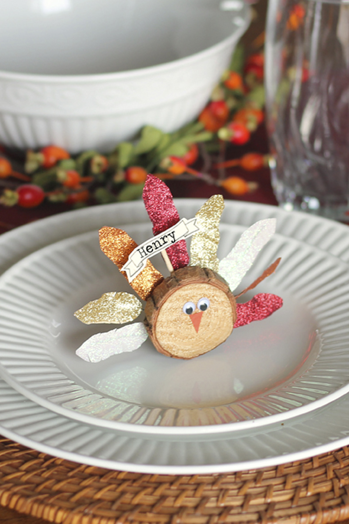 9 diy thanksgiving place cards craft ideas for fall for Diy thanksgiving table place cards