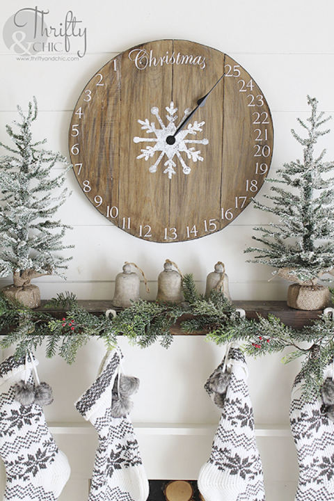 Countdown the days until Christmas with this one-of-a-kind DIY timepiece. 