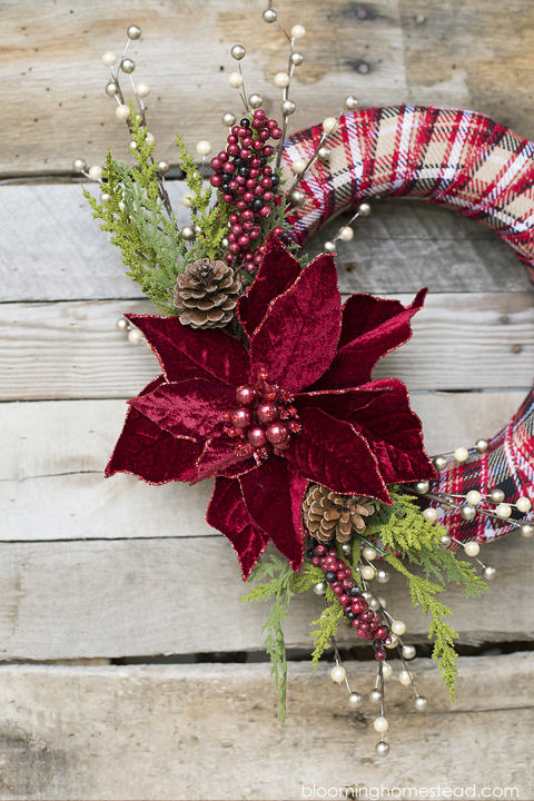 plaid and poinsettia wreath & 40+ DIY Christmas Wreath Ideas - How To Make a Homemade Holiday ... pezcame.com