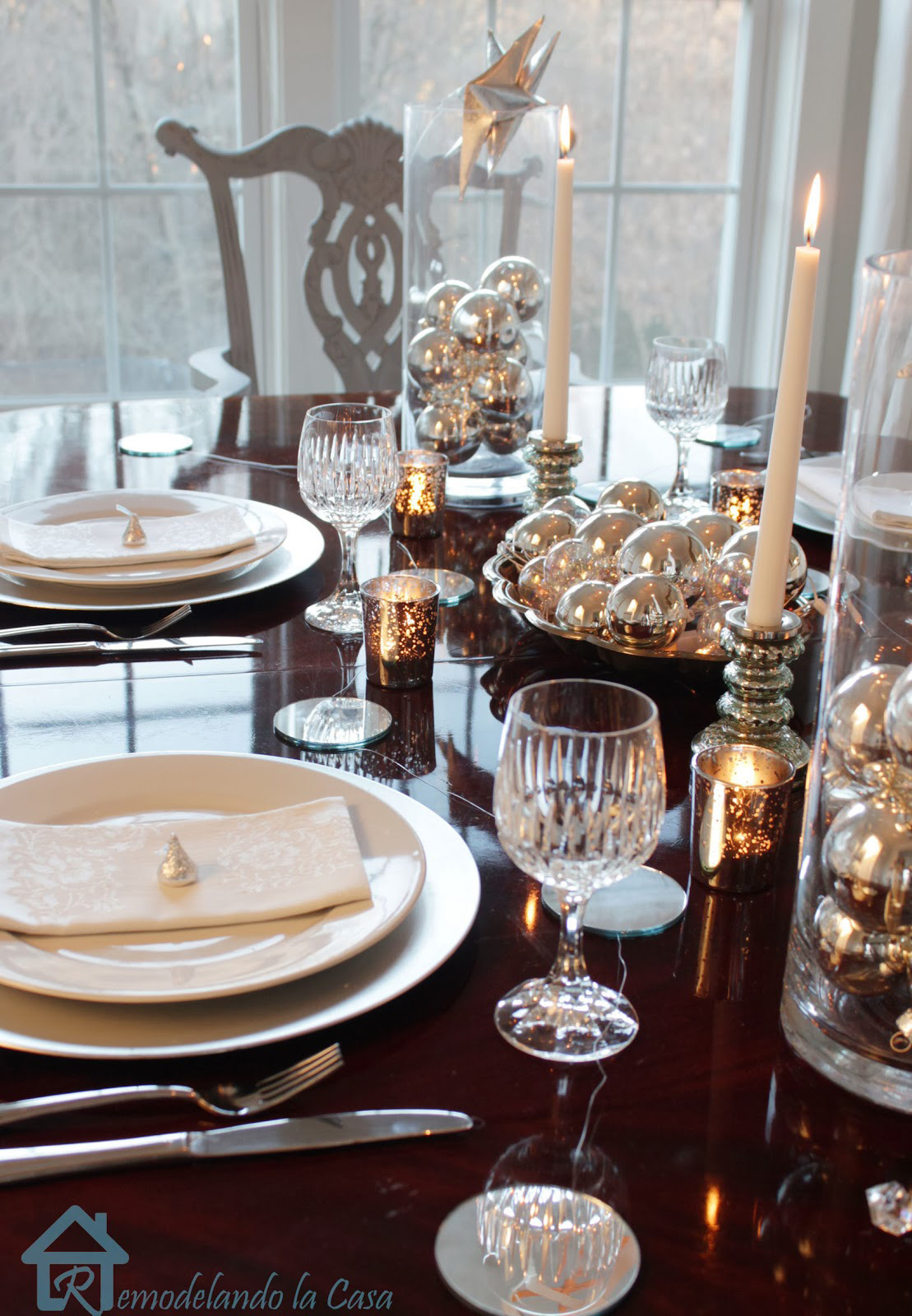 New years eve table decorations festive new year 39 s for Table 52 new years eve