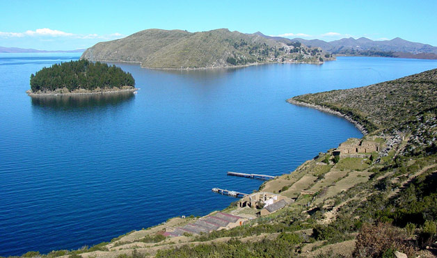 What are bodies of water in Bolivia?