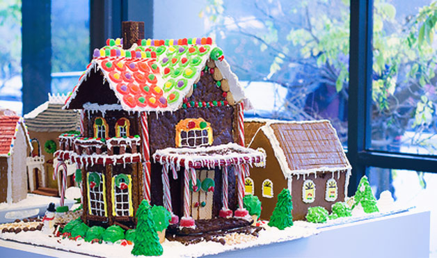 Gingerbread Houses At WomansDaycom Gingerbread House Ideas - Gingerbread house garage