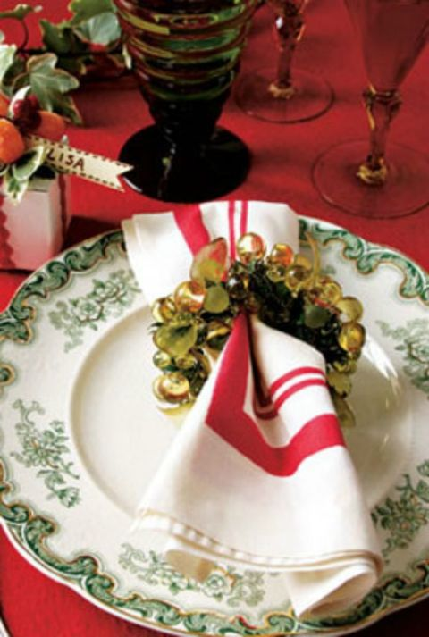 Make your holiday table complete by adding a touch of sparkle at each place setting.
