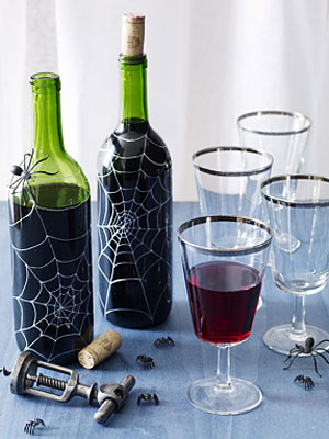 Wine bottle crafts for halloween diy ideas for wine bottles for Empty wine bottle decoration ideas