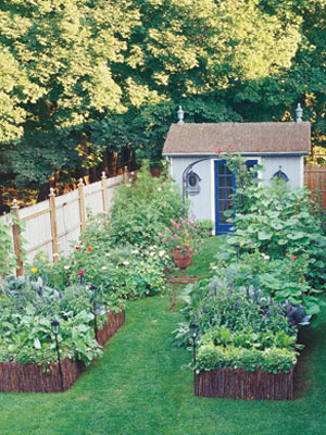 Make the most of small garden spaces gardening tips at for How to maximize small spaces