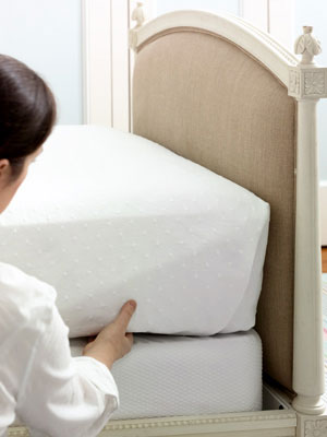 how to make a bed - bed making tips at womansday