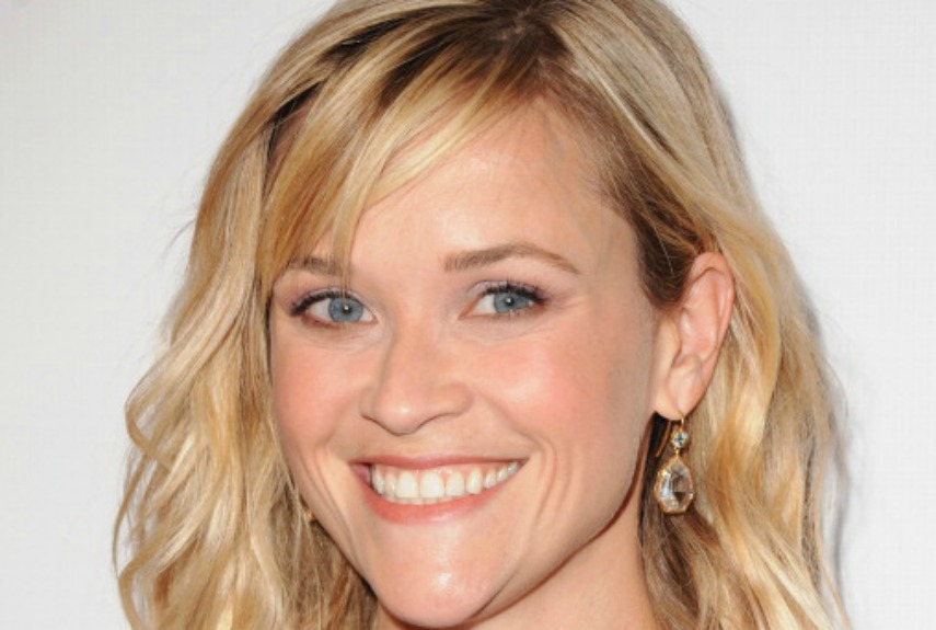 Reese Witherspoon Straight Hair to Style Mid Length Hair