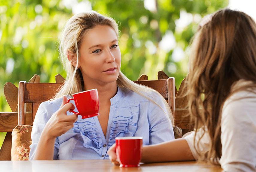 54ebbb19cc6da_-_women-chatting-coffee-xl.jpg