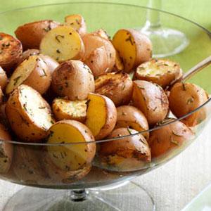 Rosemary roasted new potatoes - New potatoes recipes treat ...