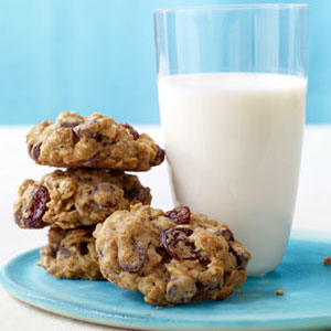 Chewy Chocolate-Cherry Oatmeal Cookies Recipe – Cookie Recipes at ...