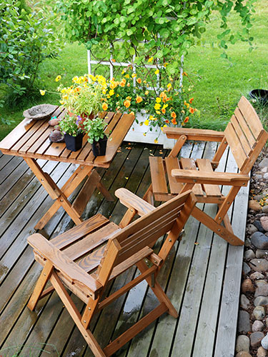 in no time paint your furniturewind rain and snow can give outdoor