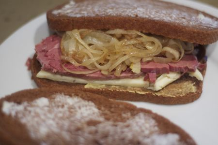 how to cook corned beef with onions