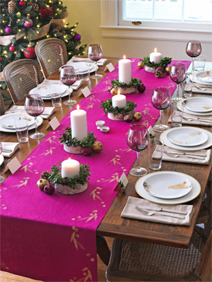 14 christmas table decorations ideas for holiday table for Dinner table decoration ideas